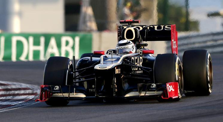 Raikkonen y el Lotus-Renault rumbo a un triunfo memorable.