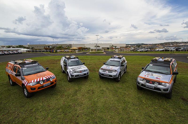 Mitsubishi vuelve al Dakar, por ahora, como proveedor.