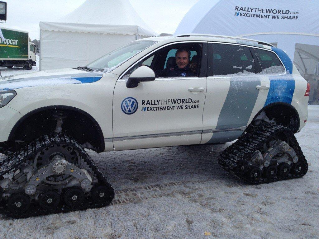 Como todo piloto profesional que se precie de tal, Sainz disfruta la inédita experiencia con el Snowareg.
