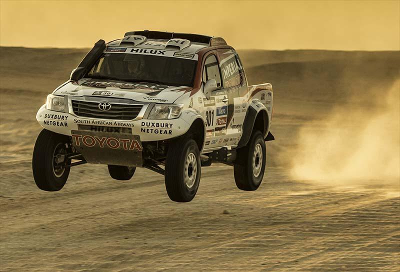 Varios desarrollos demandaron 2.000 km de pruebas para la nueva Hilux semioficial de de Villiers.