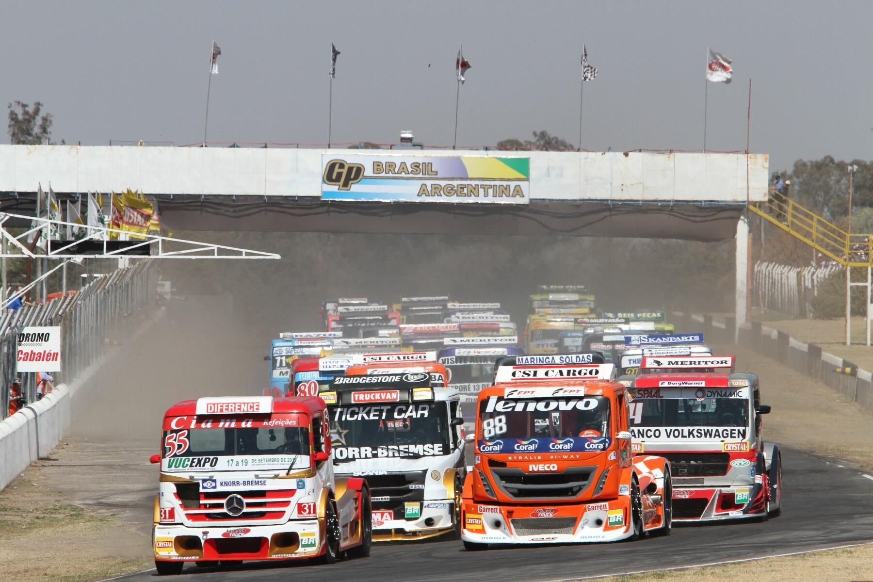 Muchos CV y muchos kilos al servicio del espectáculo es la propuesta de la saludable F.Truck brasileña.