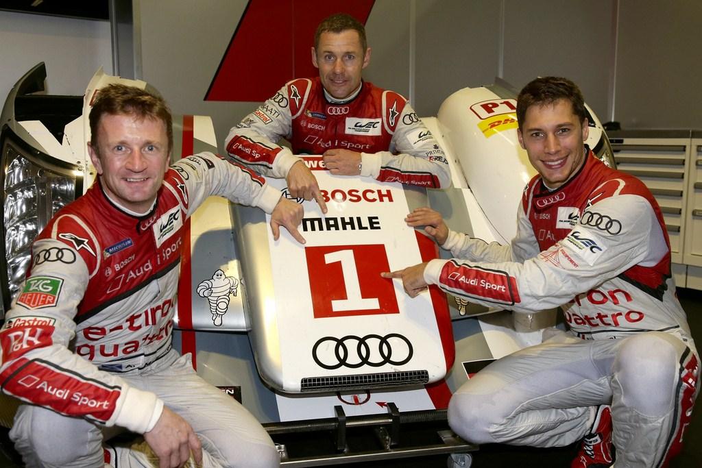 """Duval-Kristensen-McNish (de derecha a izquierda) le quitaron el """"1"""" a sus propios compañeros de equipo."""