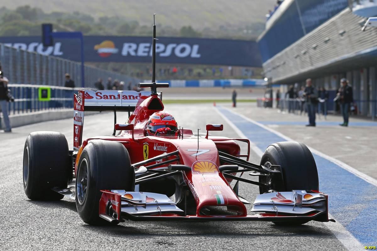 El diseño de la trompa de la Ferrari (Raikkonen) está entre los más criticados, aunque es muy elaborado...
