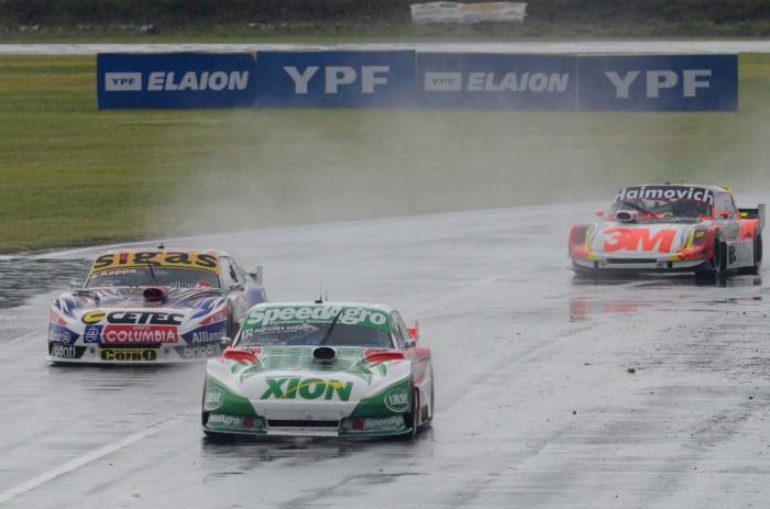 Canapino, aún con un auto que no era el mejor, aprovechó las condiciones climáticas y las circunstancias, para dominar a voluntad sobre un escenario muy peligroso...