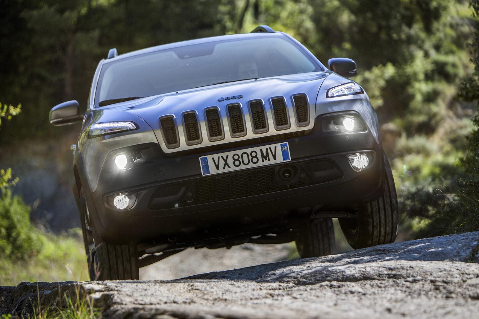El nuevo Cherokee debutará en Europa con los tdi de Fiat en versiones de 140 y 170 CV...