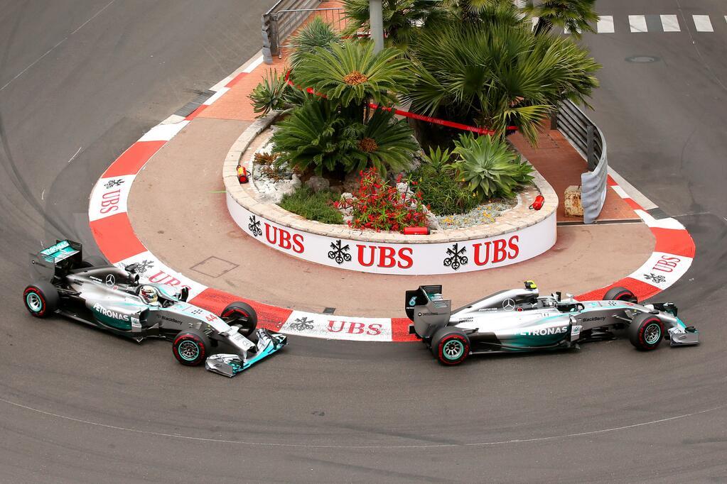 El duelo tuvo diversos matices, inclusive en la pista, donde Hamilton persiguió a Rosberg casi hasta el final...
