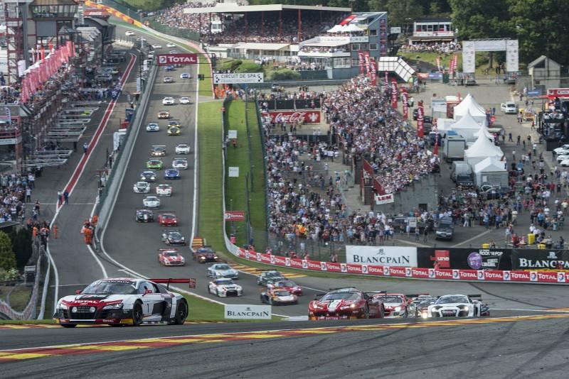 En el primer paso por L?Eau Rouge, se instala en la punta el Audi nº1 a la postre vencedor, premonitorio?