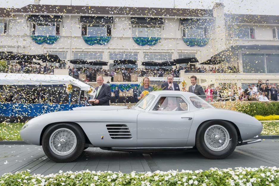 Una nube de cintas metálicas celebra la coronación del 375 MM by Scaglietti como el más elegante...