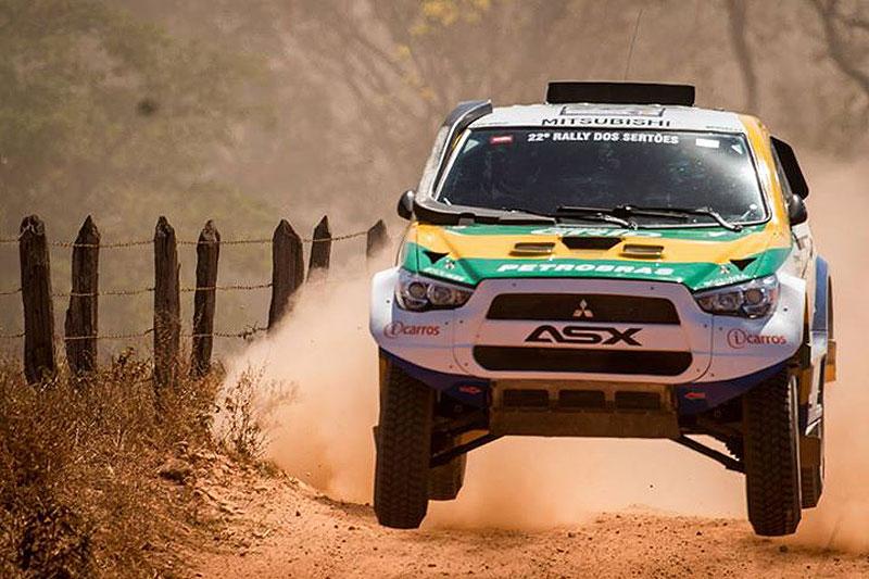 Spinelli con el proto ASX, desarrollado en Brasil con supervisión oficial de Mitsubishi, mostró la validez del proyecto y sumó experiencia y entrenamiento para el Dakar 2015...