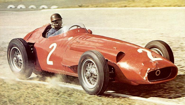 Fangio ganando con la 250F el GP de Francia 1957 en Rouen-les-Essarts. La batalla se había puesto muy dura: la trompa de la Maserati abollada, la rueda delantera derecha fuera del asfalto y la trasera del mismo lado en el aire, lo testimonian. Nótese que ese sector del circuito era?adoquinado!!!...