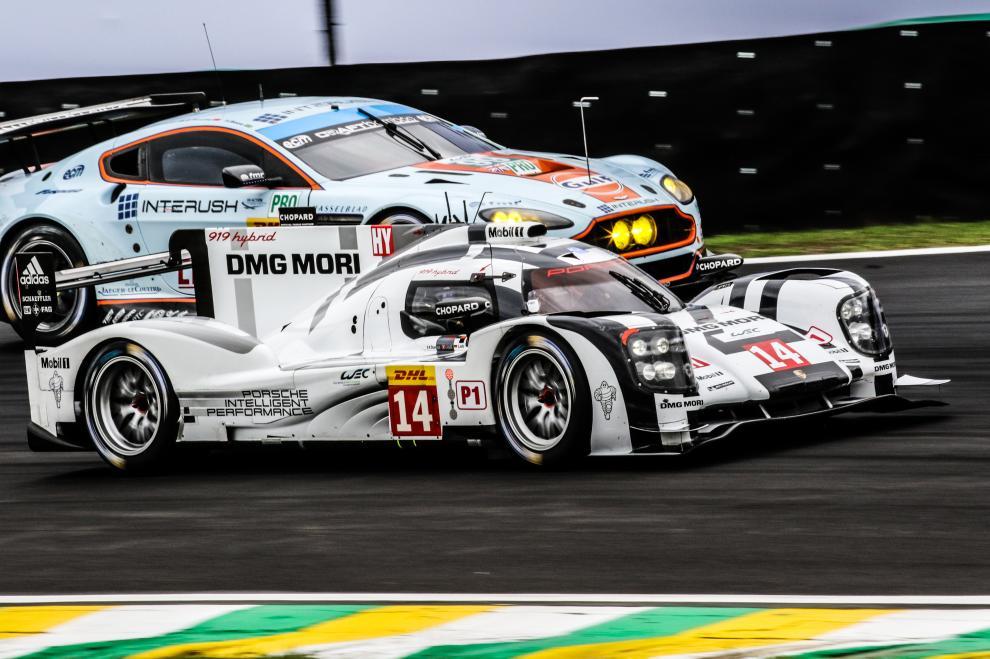 El Porsche 919 de los ganadores en LMP1-H, supera al Aston Martin de Turner-Mucke, primeros en LMGTE Pro...