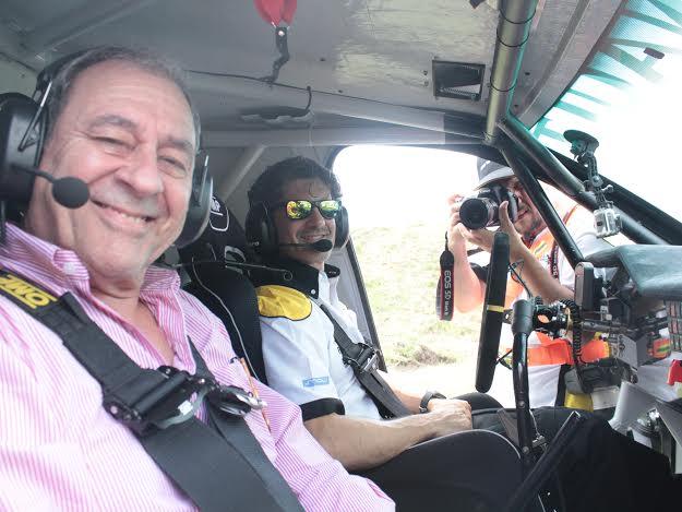 """V8 a punto de salir, con Spataro al comando, sobre el nuevo Duster al cual, según el piloto, """"todavía le faltan unos 500 kilómetros de pruebas para quedar bien a punto""""..."""