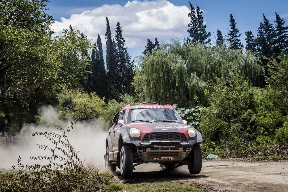 Cuarta victoria en etapa para Terranova, lograda sobre el final con gran arremetida. Después de los problemas, se replanteó la forma de correr este Dakar...