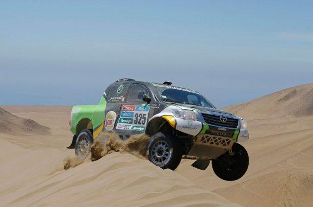 Debutante en el Dakar, Yazeed Al-Rajhi, consigue su primera victoria parcial en la etapa 8 de la prueba...