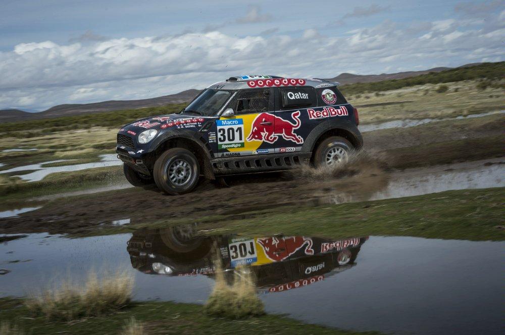 Despegándose todavía más de De Villiers, el qatarí Al-Attiyah ganó su cuarto parcial y se perfila como el más serio aspirante a triunfar en el Dakar 2015...
