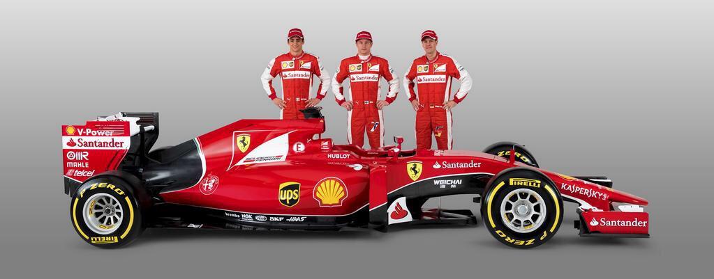 """Gutierrez, Raikkonen y Vettel (de izq. a der) le brindan marco a la SF15-T que, como se advierte, es mucho más armónica que el modelo 2014. En Italia es poco menos que """"La Ferrari de la Esperanza""""..."""