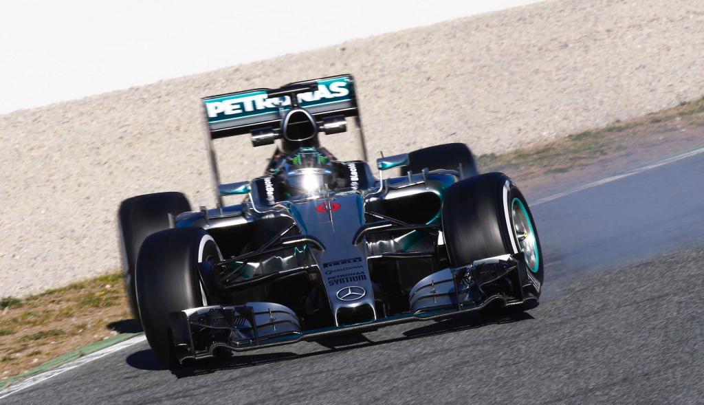Usando por primera vez en 2015 gomas blandas, Rosberg y Mercedes apabullaron a sus rivales. Batieron el mejor tiempo de ayer de Massa por 7/10 y le sacaron 1s2/10 a su compañero Bottas...