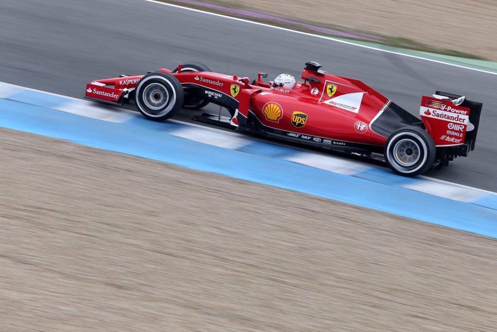 La nueva Ferrari SF15-T, con Vettel, logró nuevamente el mejor tiempo en el segundo día de pruebas comunitarias en Jerez de la Frontera, España...