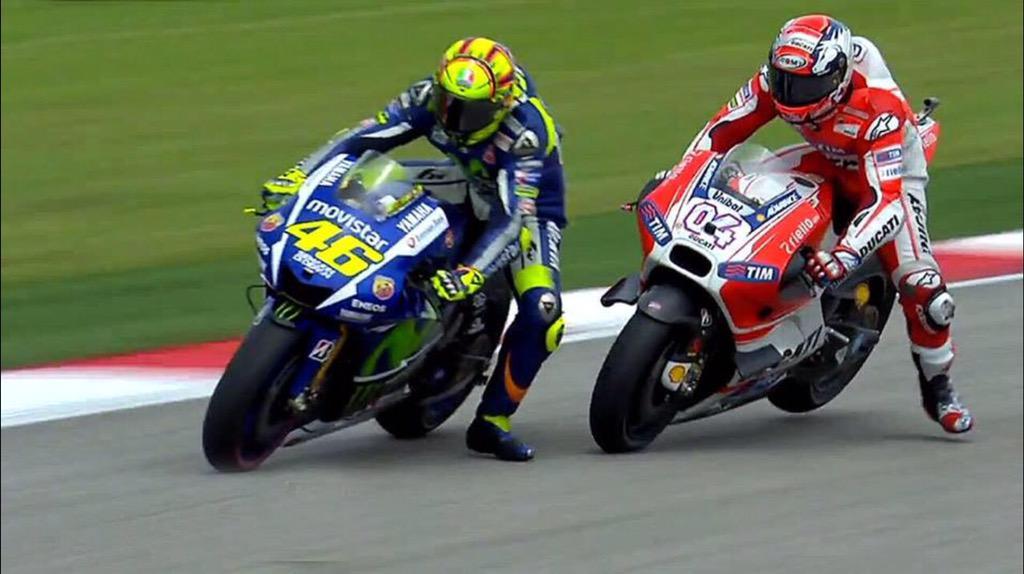 Superando a Dovizioso, Rossi inició su show...