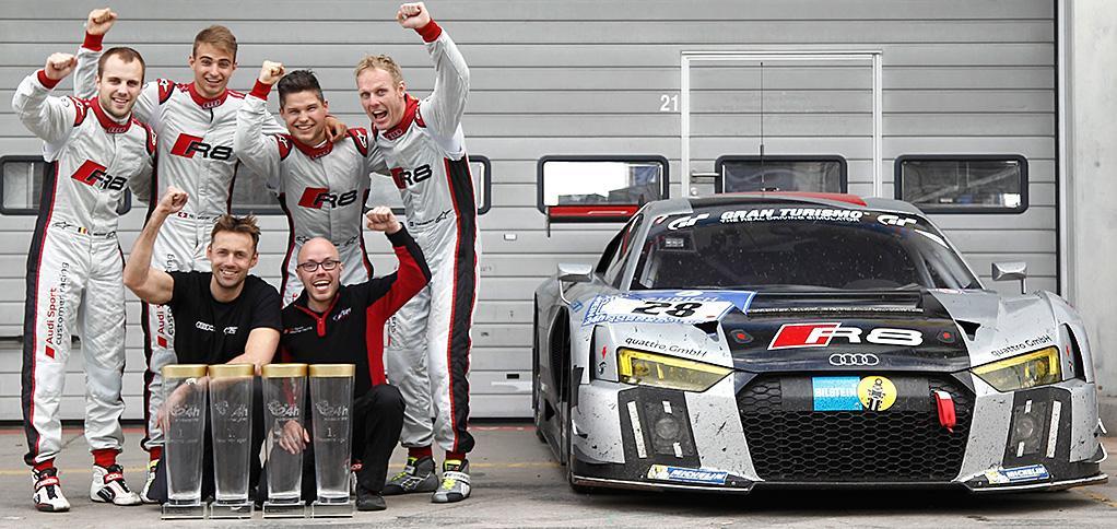 El cuarteto vencedor (Mies-Sandström-Mueller-Vanthoor) junto al Audi R8 que utilizaron y los máximos responsables del equipo WRT...