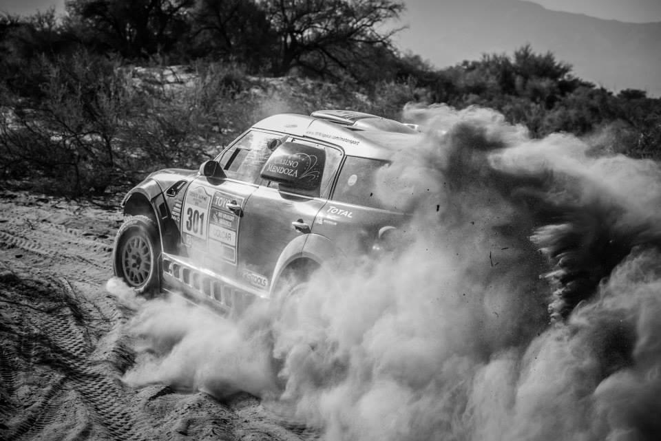 Salvo un atasco en el lecho de un río seco, la cabalgata de Terranova y su Mini hacia la victoria final fue clara y contundente. El piloto local sumó kilómetros con el Dakar 2016 en la mira...