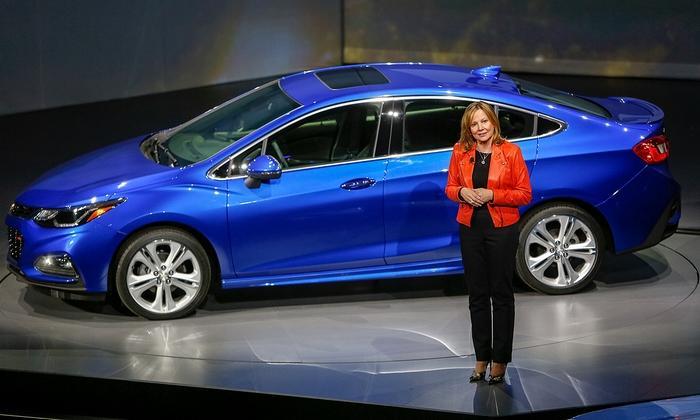 La propia CEO de GM, Mary Barra, le da la bienvenida al Chevrolet Cruze 2016, modelo que tiene grandes posibilidades de hacerse en Rosario para la Región...
