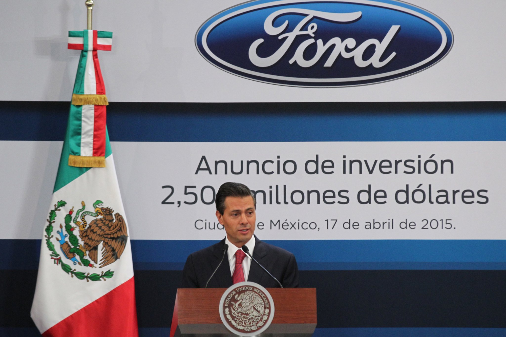 569086_enrique_pena_nieto_ford_mexico_inversion