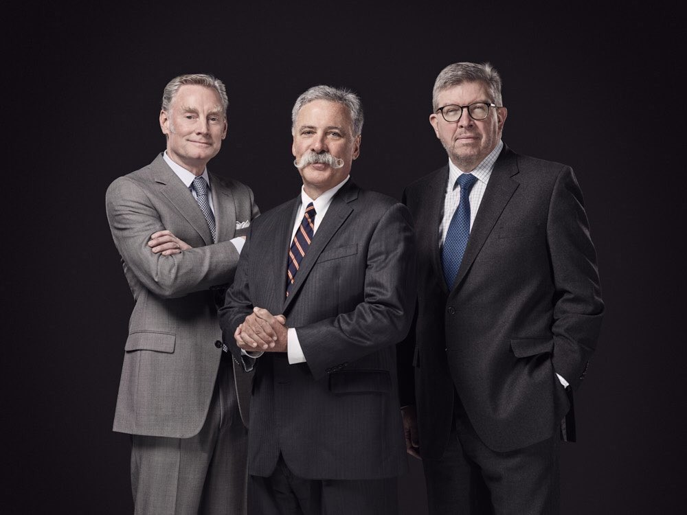 Bratches, Carey, Brawn (de izq a der), el triunvirato que dirigirá la F1...