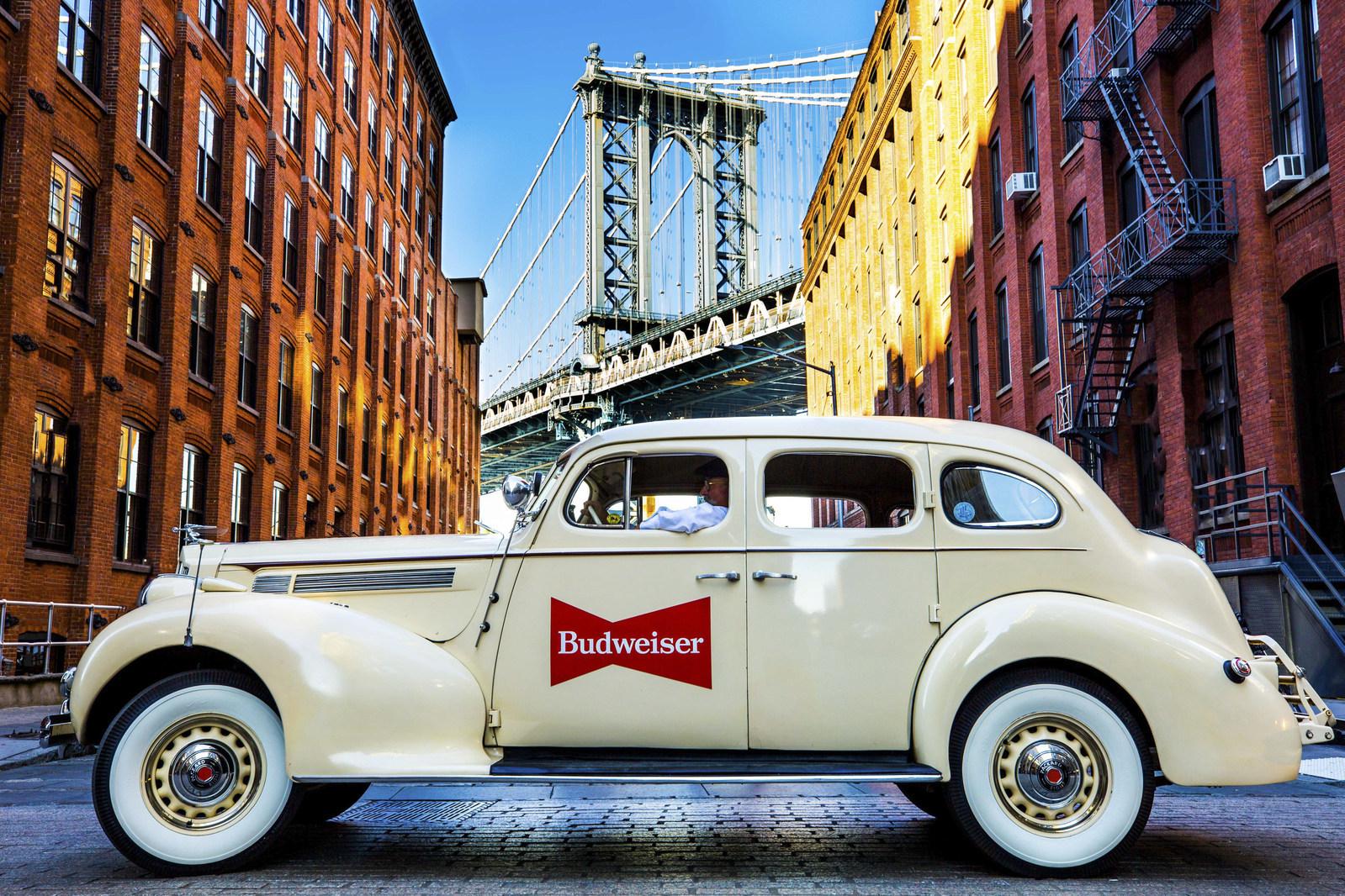 Budweiser-Lyft-Fleet-of-Vintage-Cars