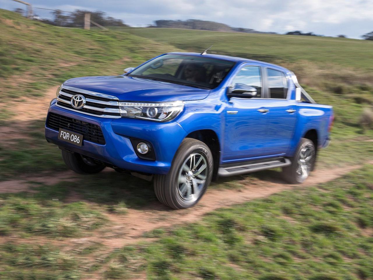 Toyota-HiLux_DC_2016_C07