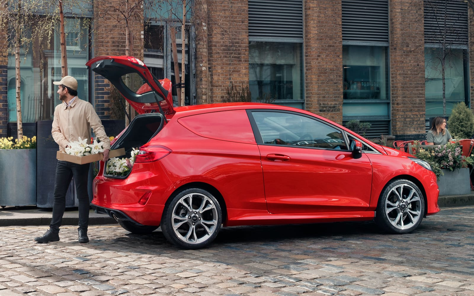 Ford-Fiesta-Sport-Van-3.jpeg.pagespeed.ce._AbnixPI0w