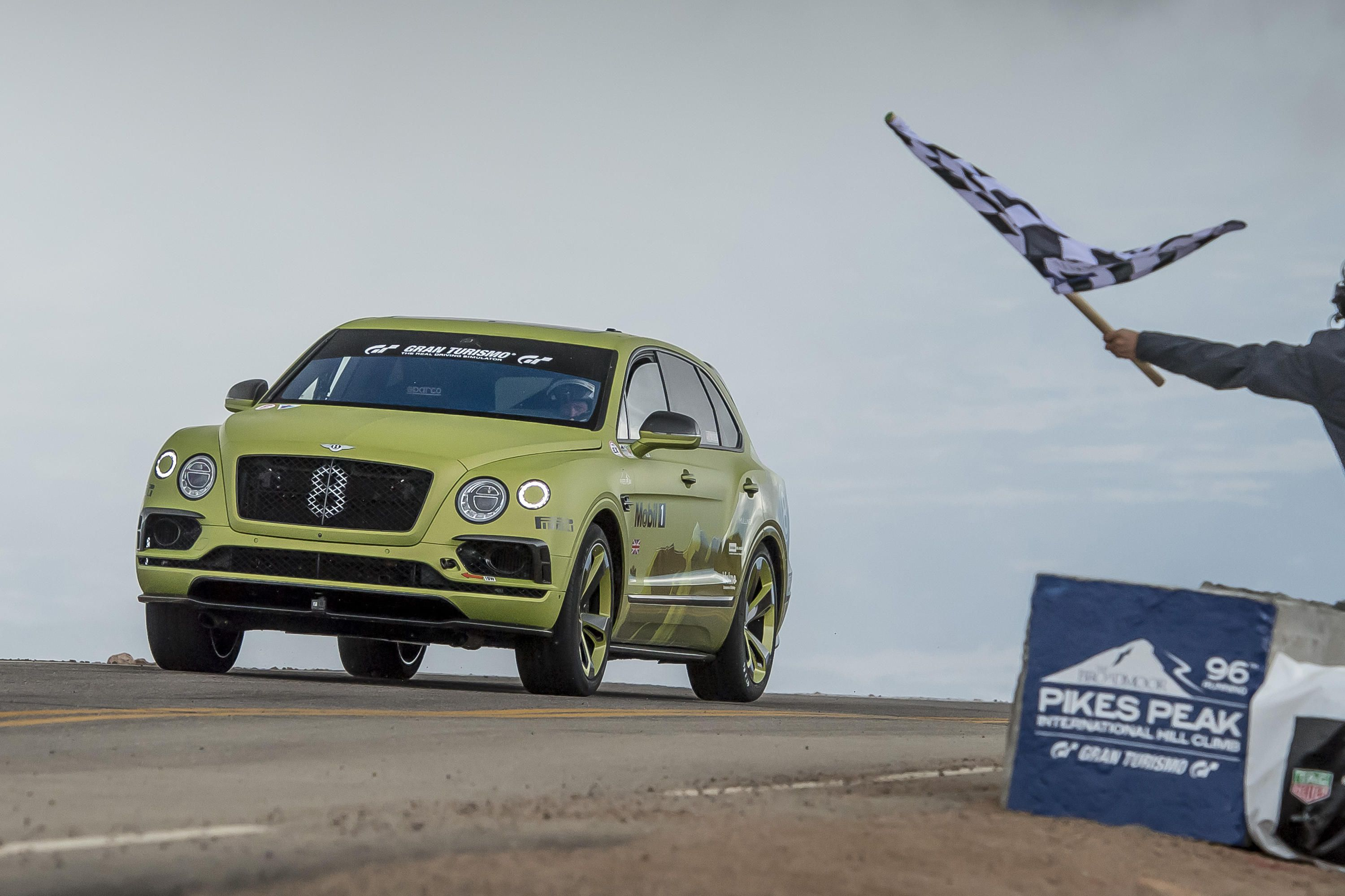 bentley-bentayga-pikes-peak-promo