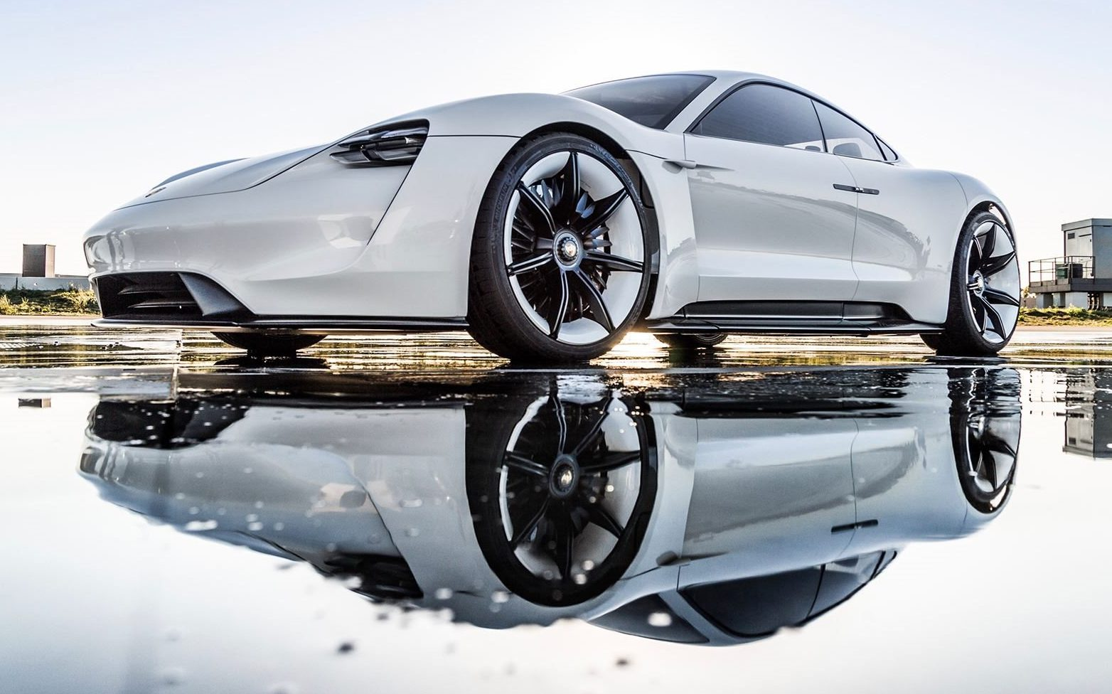 porsche-mission-e-water-reflection-e1528190299345