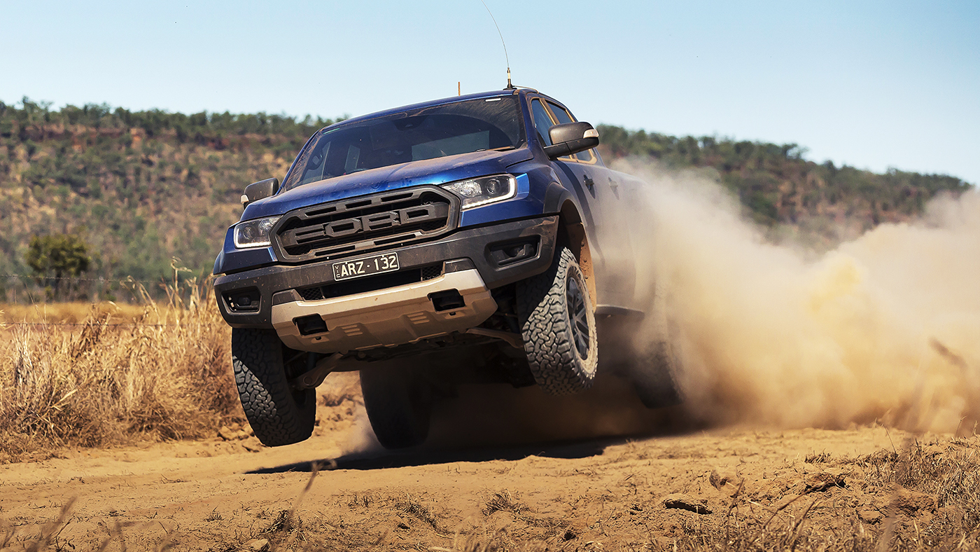 Ford-Ranger-Raptor-action-dps_HEADER