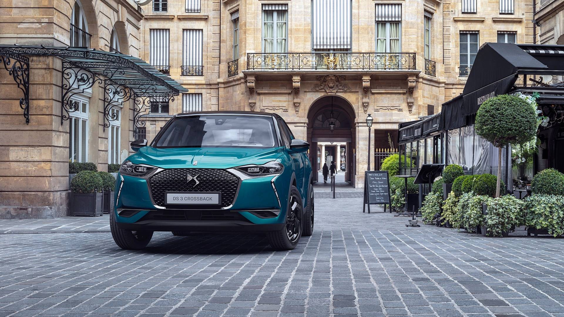 ds-3-crossback-2019-5