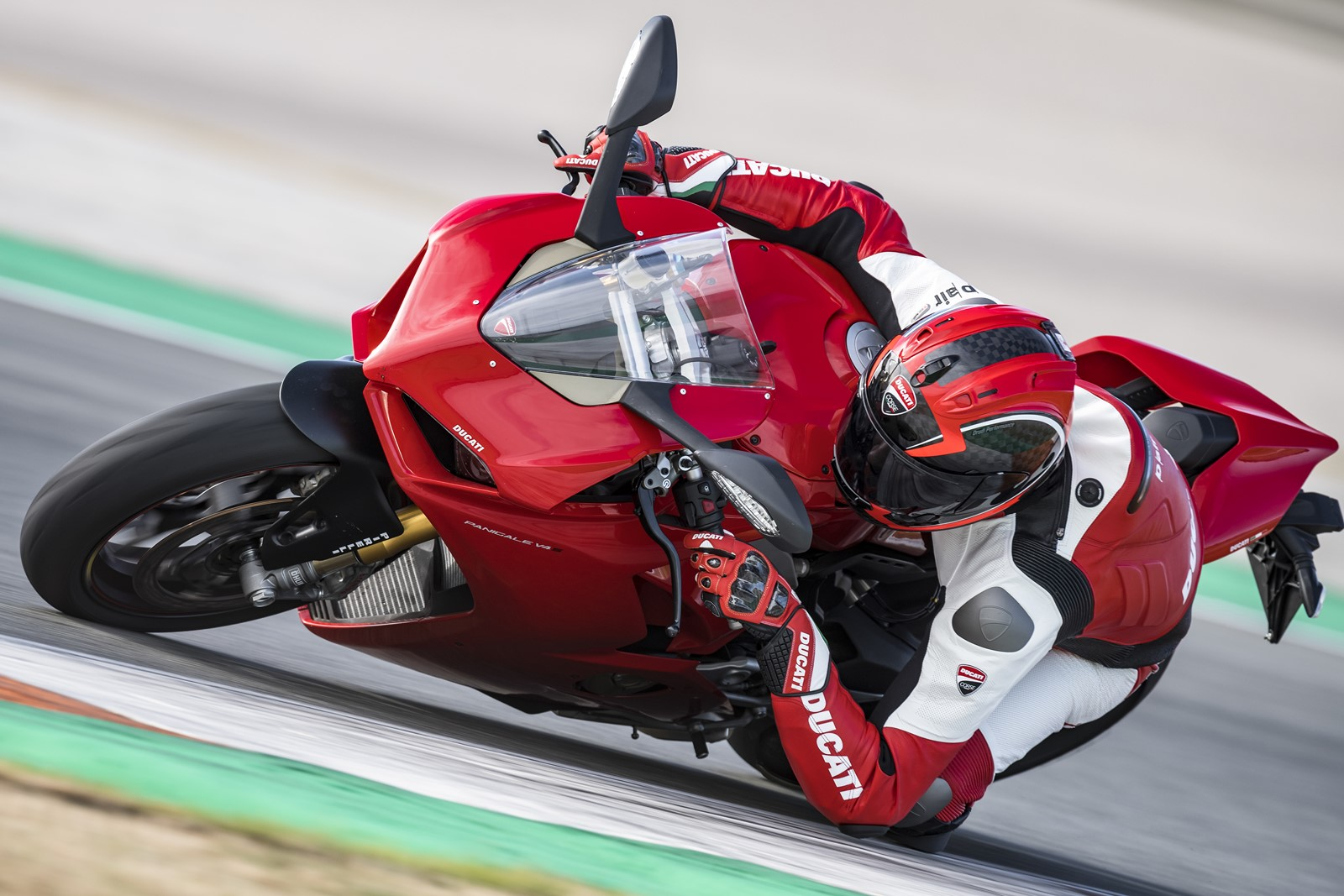 PANIGALE V4 ACTION 13_UC35178_High (Copiar)