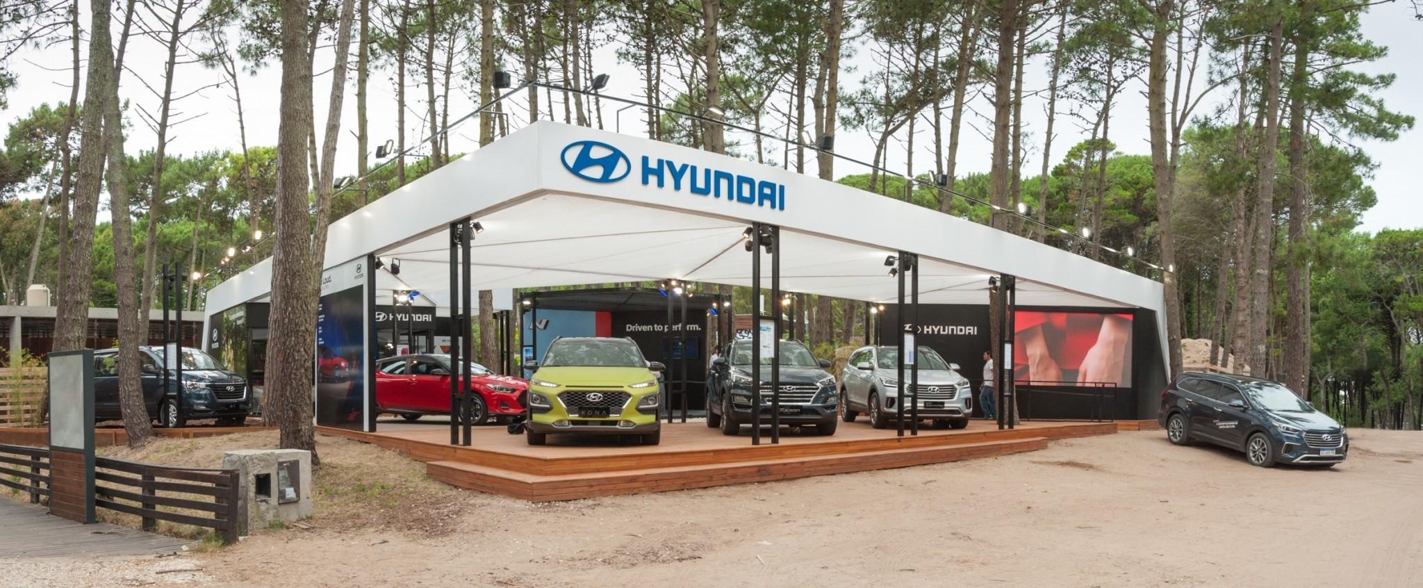 Stand Hyundai Carilo 2019-10