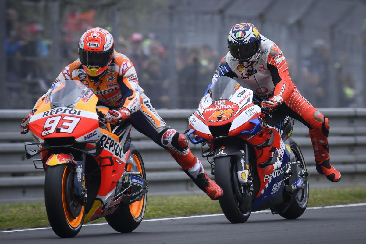 93y43. MotoGP-LeMans4