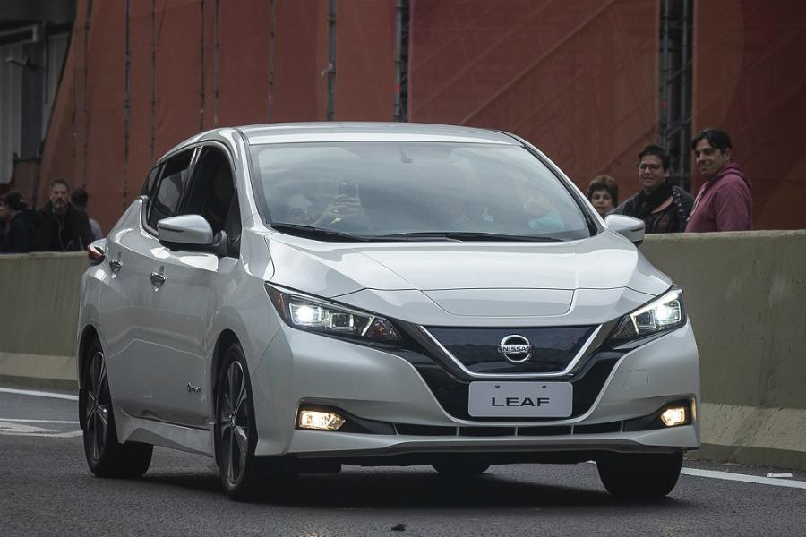 Nissan-Leaf-Paseo-del-Bajo