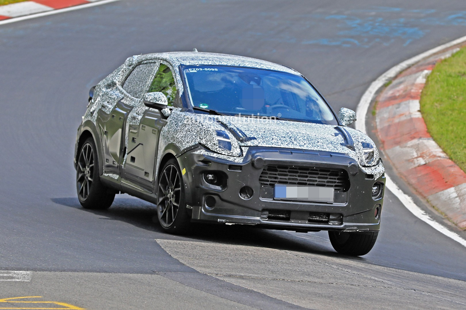 ford-puma-suv-spied-at-the-nurburgring-coming-in-2020-with-155-hp-hybrid-tech-134441_1