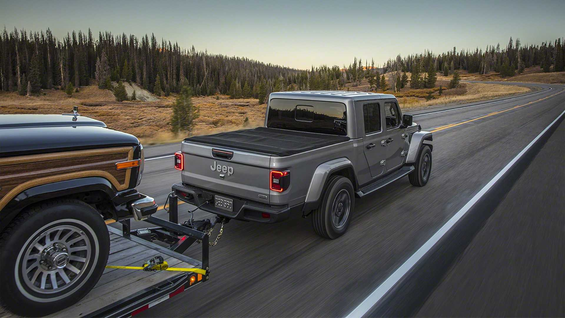2020-jeep-gladiator-goes-official-with-best-in-class-towing-capacity_51