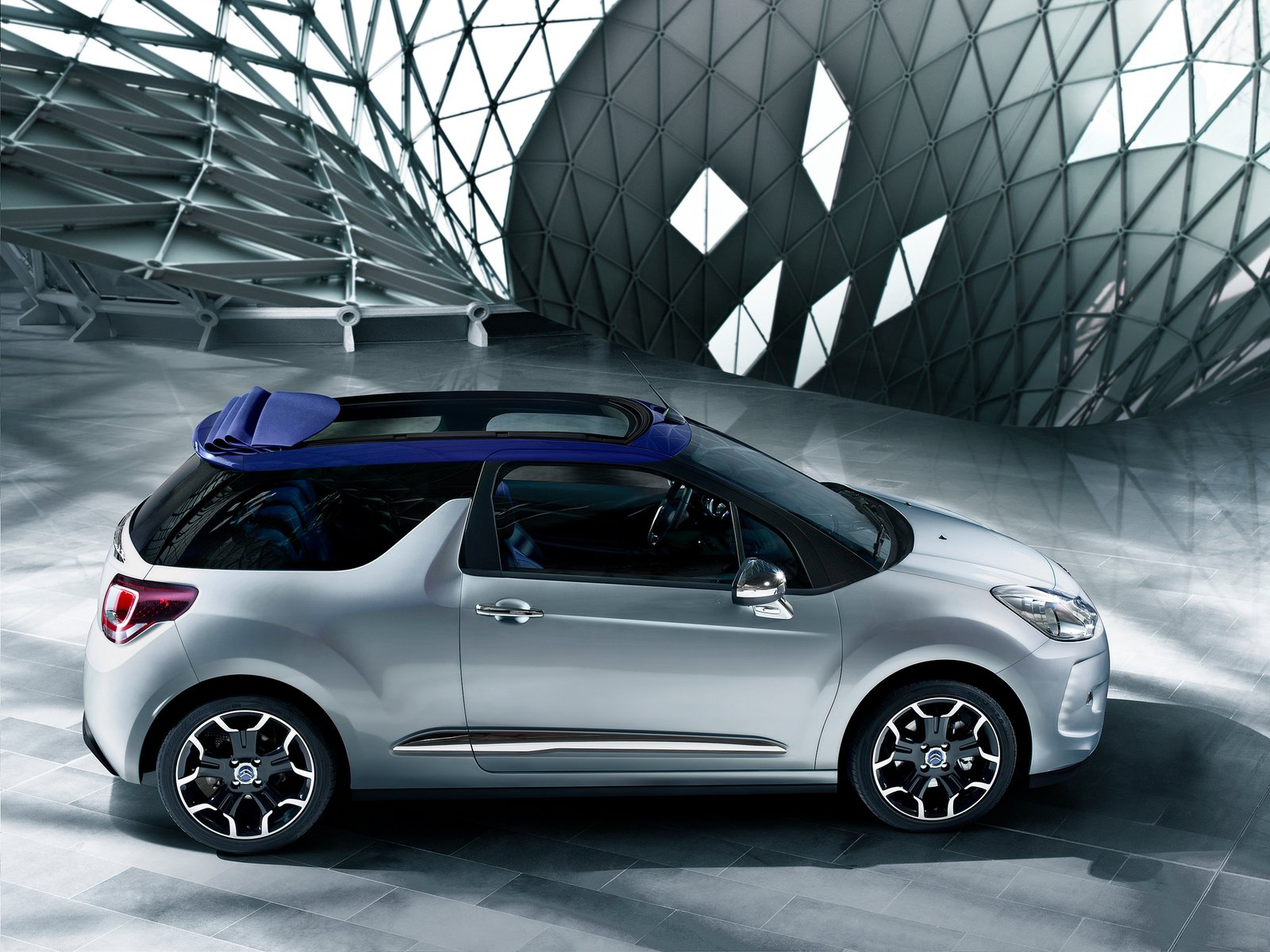 Citroen-DS3-Cabrio-Side_16_01042015100843_16