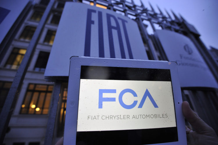 Foto Marco Alpozzi - LaPresse 29 01 2014 Torino Economia La sede della FIAT a Torino, nel giorno della nascita di Fiat Chrysler Automobiles Nella foto: il nuovo logo FCA (Fiat Chrysler Automobiles)   Foto Marco Alpozzi - LaPresse 29 01 2014 Turin Economy The headquarters of FIAT in Turin, on the day of the birth of Fiat Chrysler Automobiles In the picture: new logo FCA (Fiat Chrysler Automobiles)