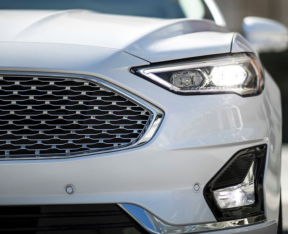 Ford_Fusion_2019-00